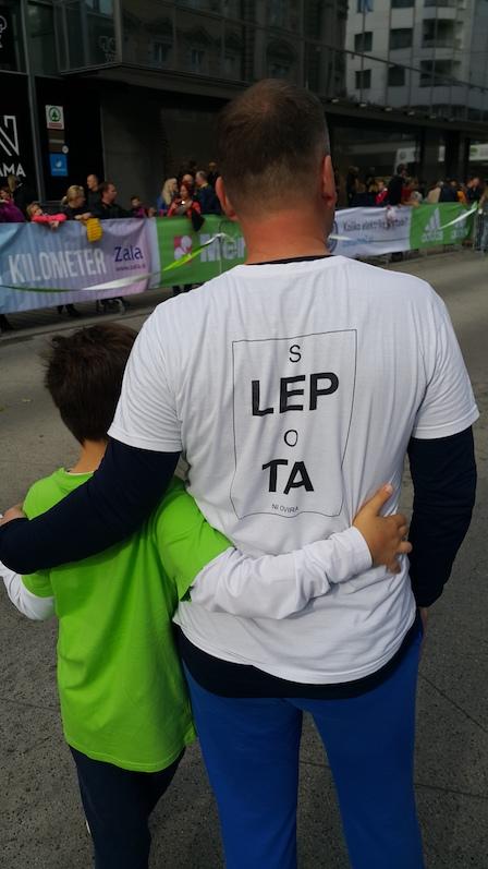 Majica z napisom Slepota ni ovira