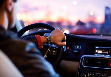 Lahko osebe s slabovidnostjo pridobijo vozniško dovoljenje?